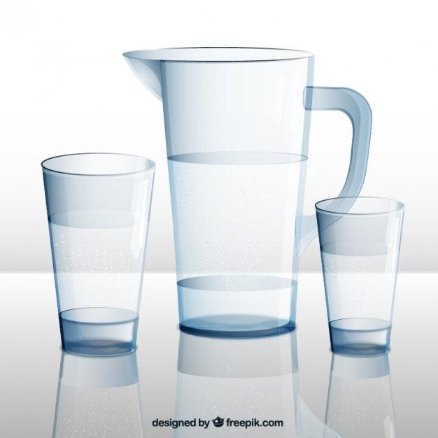 dzbanek wody i szklanki